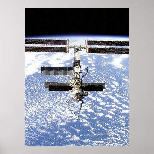 Vista de la estación espacial internacional del es posters
