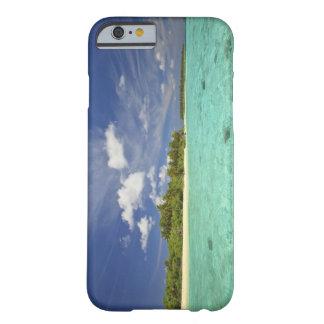 Vista de la isla de Funadoo de Funadovilligilli Funda De iPhone 6 Barely There
