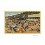 Vista de la playa con los clubs y los hogares postales