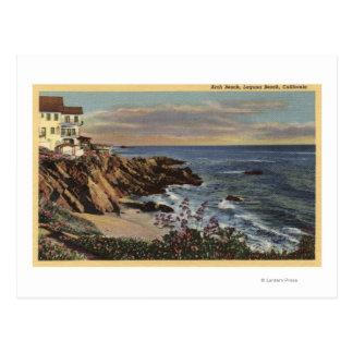 Vista de la playa del arco con las flores postales