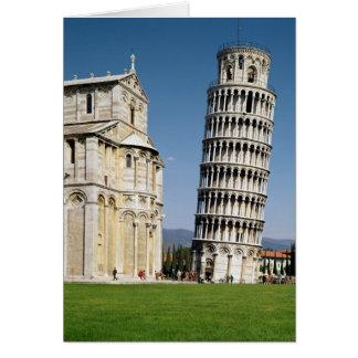 Vista de la torre inclinada tarjeta de felicitación