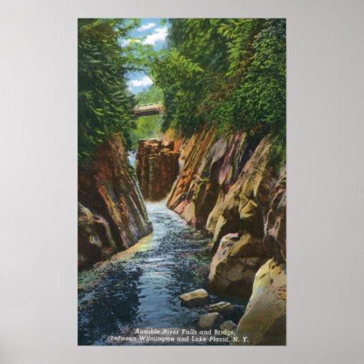 Vista de las caídas y del puente del río de Ausabl Posters