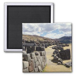 Vista de las paredes de piedra imán cuadrado