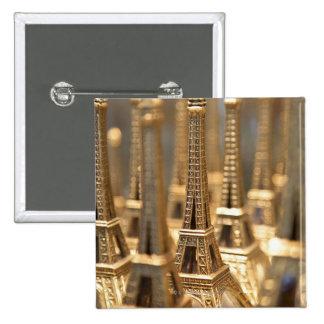 vista de las pequeñas torres Eiffel para la venta  Pin Cuadrado