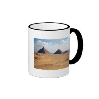 Vista de las pirámides de Cheops Tazas De Café