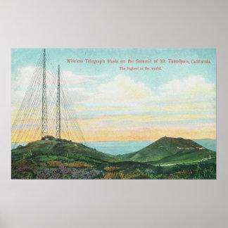 Vista de las torres del telégrafo inalámbrico posters