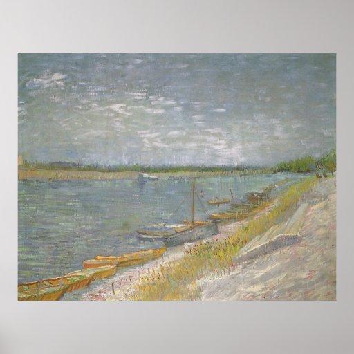 Vista de los barcos de un Rowing del río w de Póster