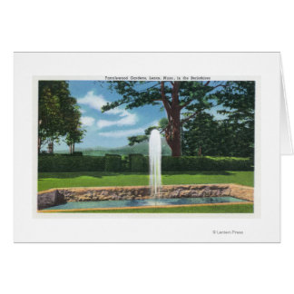 Vista de los jardines y de la fuente de Tanglewood Tarjeta De Felicitación