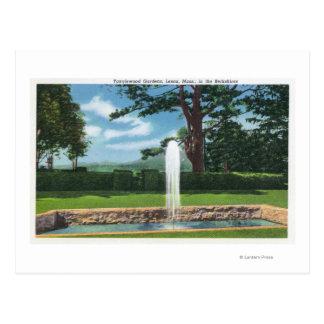 Vista de los jardines y de la fuente de Tanglewood Tarjetas Postales