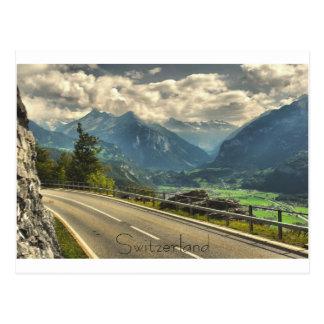 Vista de Meiringen Suiza y montañas suizas Tarjeta Postal