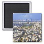 Vista de París con la defensa de la torre Eiffel y Imán Cuadrado