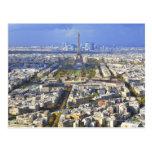 Vista de París con la defensa de la torre Eiffel y Postales