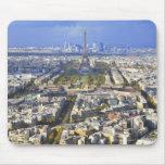 Vista de París con la defensa de la torre Eiffel y Tapete De Ratones