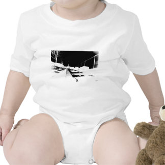 Vista de tierra de las pistas del ferrocarril - ne traje de bebé