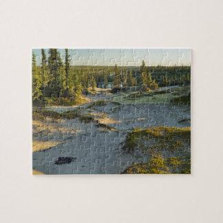 Vista de un lago y de las colinas circundantes de  puzzle