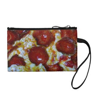 Vista de una pizza de salchichones