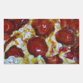 Vista de una pizza de salchichones rectangular altavoces