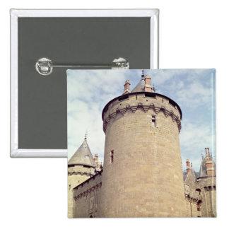 Vista de una torre del castillo francés pin cuadrada 5 cm