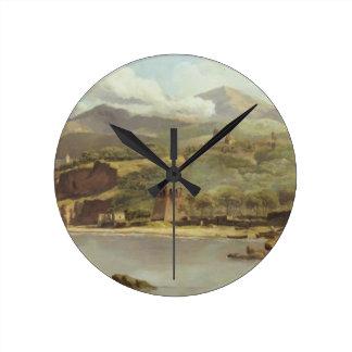 Vista de Vico Estense de Sorrento que mira hacia Reloj Redondo Mediano