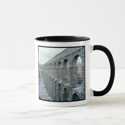 Vista del acueducto romano que fecha probablemente taza