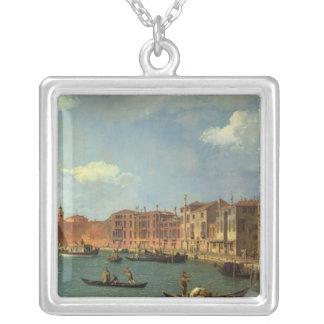Vista del canal de Santa Chiara, Venecia Collar Plateado