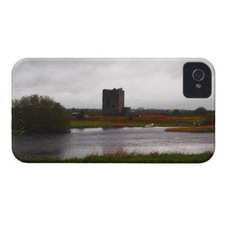 Vista del castillo de Threave iPhone 4 Case-Mate Carcasa