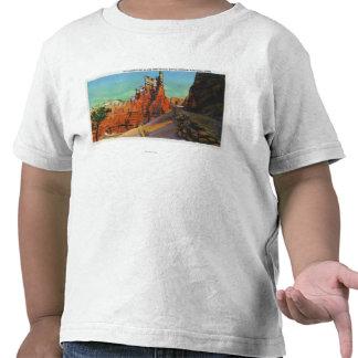 Vista del castillo y de los nuevos rastros de camisetas
