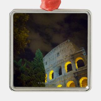 Vista del Coloseum en Roma en la noche Adorno Navideño Cuadrado De Metal