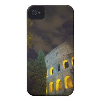 Vista del Coloseum en Roma en la noche Carcasa Para iPhone 4 De Case-Mate