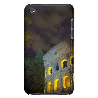 Vista del Coloseum en Roma en la noche Funda Para iPod De Case-Mate
