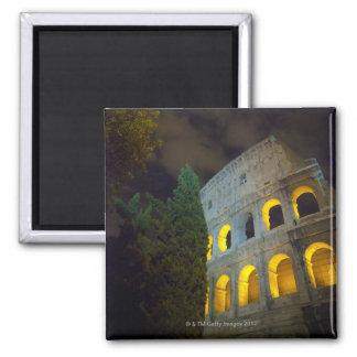 Vista del Coloseum en Roma en la noche Imán Cuadrado