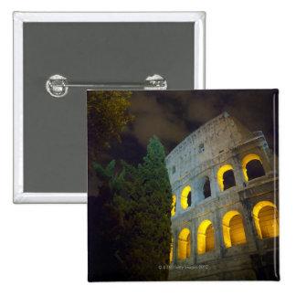 Vista del Coloseum en Roma en la noche Pin Cuadrado