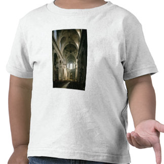 Vista del cubo hacia el coro, construida camisetas