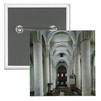 Vista del cubo, mirando hacia el altar pin cuadrado