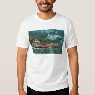 Vista del faro de la isla de Yerba Buena en la Polera