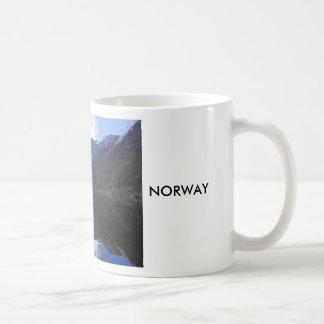 Vista del Fjordes, Noruega Taza Clásica