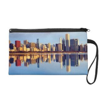 Vista del horizonte de Chicago con la reflexión