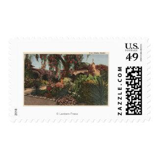 Vista del jardín delantero de la misión sello