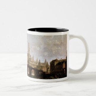Vista del Kremlin y del puente de Kamenny Tazas De Café