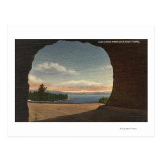 Vista del lago del túnel de la roca de la cueva postal