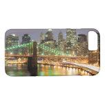 Vista del Lower Manhattan y del puente de Brooklyn Funda iPhone 7