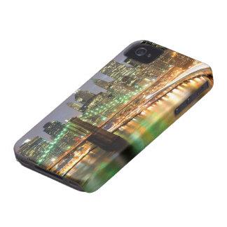 Vista del Lower Manhattan y del puente de Brooklyn iPhone 4 Carcasa