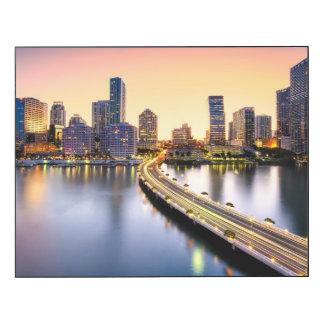 Vista del mandarín Miami oriental con la reflexión