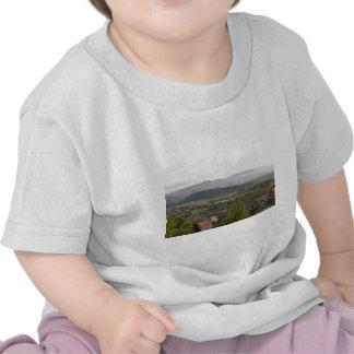Vista del monumento de Wallace en Escocia Camisetas