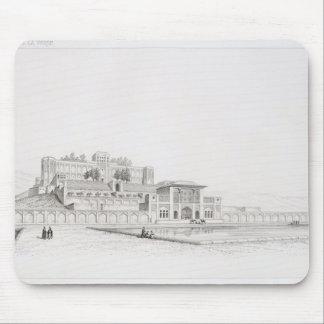 "Vista del palacio ""Kasr l Kadjar"" de Golestan Qaja Tapete De Ratones"
