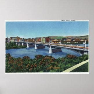 Vista del puente de la calle principal poster