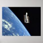 Vista del telescopio espacial de Hubble del descub Poster