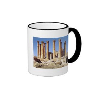 Vista del Templo de Artemisa, ANUNCIO construido Taza De Dos Colores