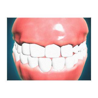 Vista delantera de la boca humana con los dientes impresiones de lienzo