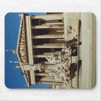 Vista delantera del parlamento de Viena, Austria Tapetes De Ratón